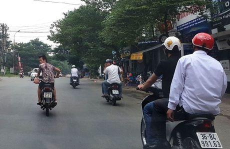 Thanh Hoa: Luc luong dac biet hoa trang phat vi pham giao thong - Anh 1