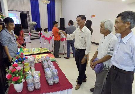 Phan bon Dai Bang Xanh hop mat khach hang nhan ngay 20/10 - Anh 2
