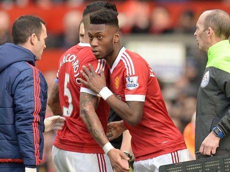 Man United 'troi chan' thanh cong Fosu-Mensah - Anh 1