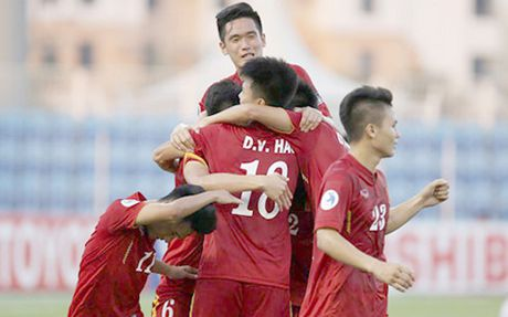 Lich thi dau bong da hom nay 20/10: U19 Viet Nam vs U19 Iraq quyet dau - Anh 1