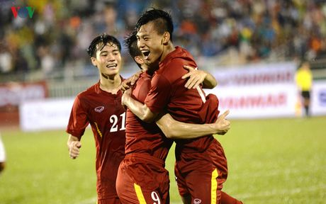 DT Viet Nam bo cach Thai Lan 10 bac tren BXH FIFA - Anh 1