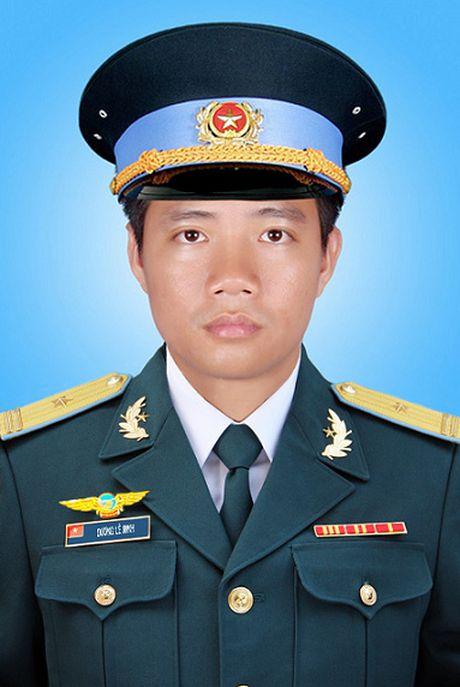 Quyet dinh truy tang Huan chuong, truy thang quan ham cho 3 phi cong - Anh 3