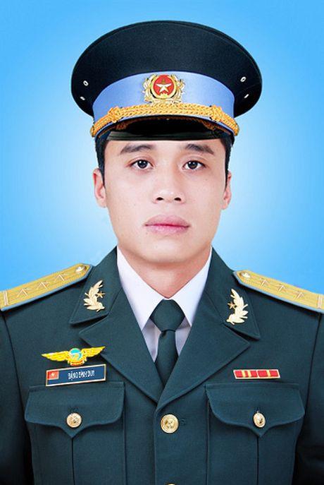 Quyet dinh truy tang Huan chuong, truy thang quan ham cho 3 phi cong - Anh 4