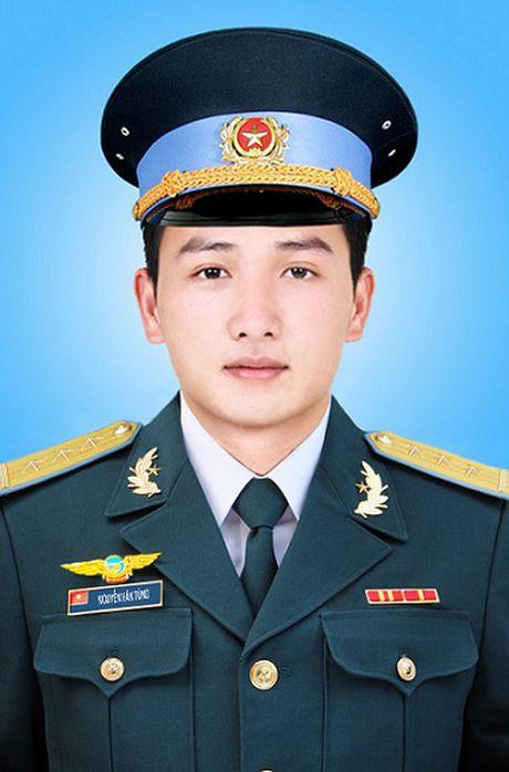 Quyet dinh truy tang Huan chuong, truy thang quan ham cho 3 phi cong - Anh 5