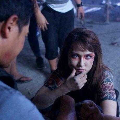 Maria Ozawa khoe lung tran goi cam trong phim chinh thong dau tien - Anh 3