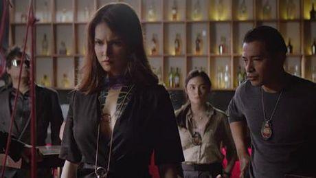 Maria Ozawa khoe lung tran goi cam trong phim chinh thong dau tien - Anh 8