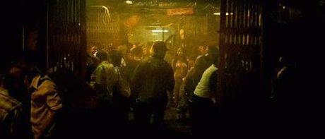 Ra rap thang lon, 'Diep vu tam giac vang' van dinh day san - Anh 11