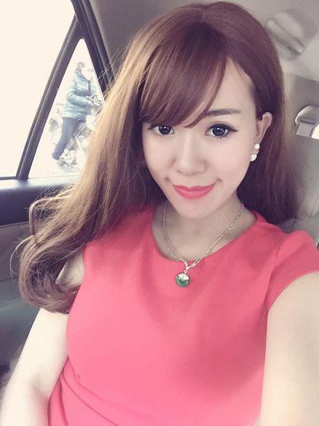 Hot girl het long benh vuc 'soai ca' giai cuu nu nhan vien hang khong bi danh - Anh 1