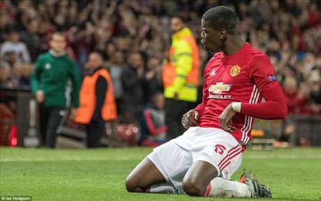 Man United 4-1 Fenerbahce: Cau tra loi cua Paul Pogba - Anh 5