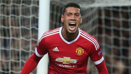 Smalling dinh chan thuong, Man Utd lo lang - Anh 1