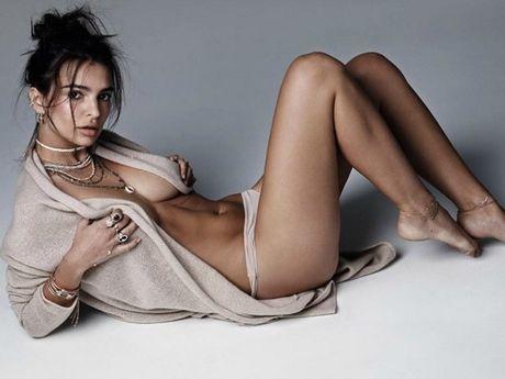 Emily Ratajkowski tha rong boc lua, khoe body sexy - Anh 10