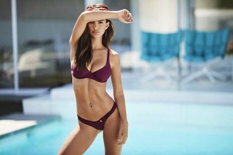 Emily Ratajkowski tha rong boc lua, khoe body sexy - Anh 8