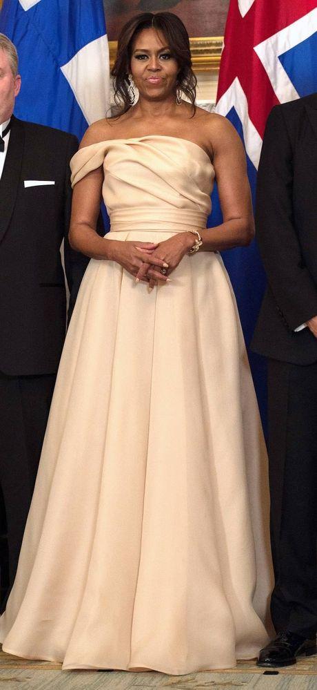 Nhung bo vay dep nhat cua de nhat phu nhan Michelle Obama - Anh 11