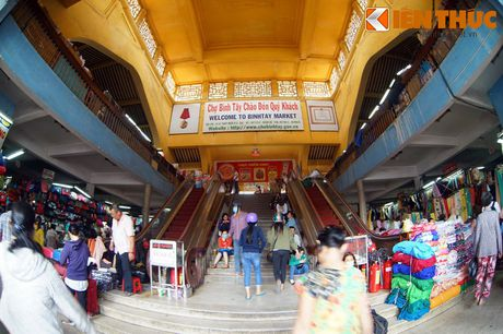 Kham pha ngoi cho co noi tieng cua nguoi Hoa Cho Lon - Anh 13