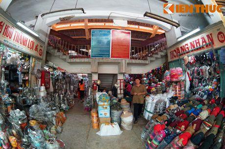 Kham pha ngoi cho co noi tieng cua nguoi Hoa Cho Lon - Anh 16