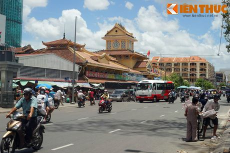 Kham pha ngoi cho co noi tieng cua nguoi Hoa Cho Lon - Anh 1