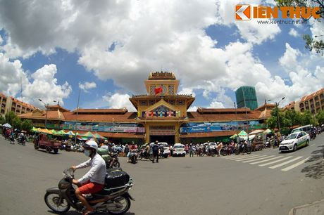 Kham pha ngoi cho co noi tieng cua nguoi Hoa Cho Lon - Anh 2