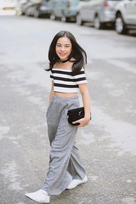 Phong cach 'chat dung hoi' cua be gai 10 tuoi Sai thanh - Anh 1