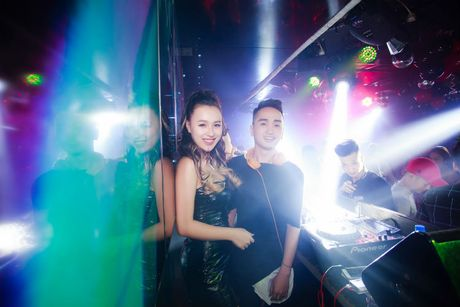 DJ Tit tai xuat khoe dang nuot sau gan 2 thang sinh con - Anh 2