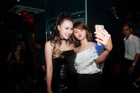 DJ Tit tai xuat khoe dang nuot sau gan 2 thang sinh con - Anh 7