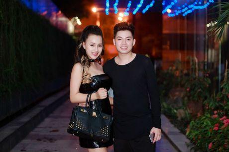 DJ Tit tai xuat khoe dang nuot sau gan 2 thang sinh con - Anh 8
