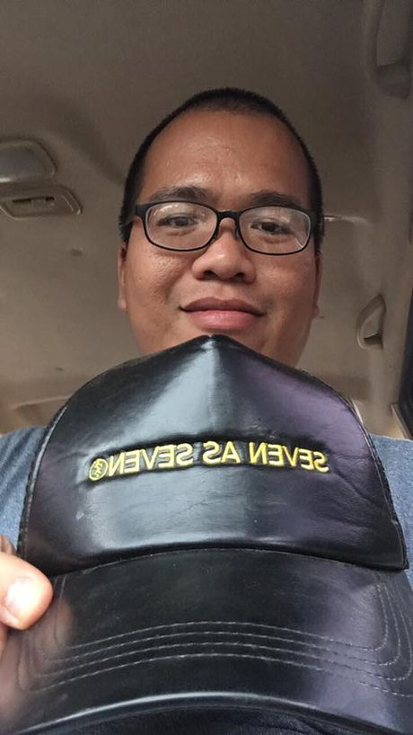 Bat ngo voi chiec mu 20 trieu va hon 16 ty cua Phan Anh - Anh 1