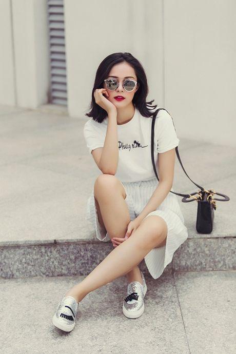 Boc mac loat hang hieu sang chanh cua co 'Tam' Ha Vi - Anh 8