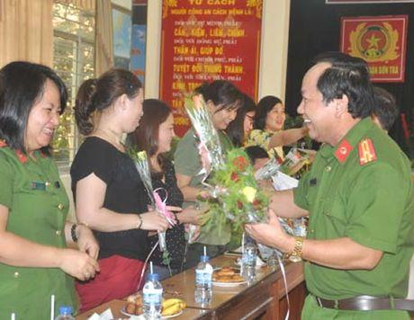 Toa dam ky niem Ngay Phu nu Viet Nam va 20 nam thanh lap Q. Son Tra - Anh 1
