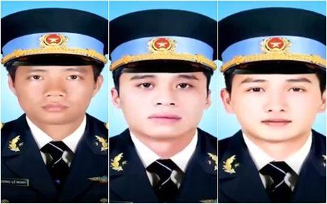 Hom nay, to chuc le truy dieu 3 phi cong vu roi may bay EC-130 T2 - Anh 1