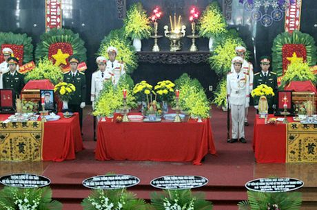 Xuc dong le truy dieu 3 chien sy hy sinh trong vu may bay roi o Vung Tau - Anh 4