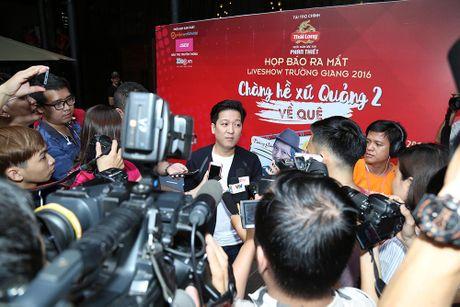 """Truong Giang tri an khan gia mien Trung voi liveshow """"Chang he xu Quang 2"""" - Anh 2"""