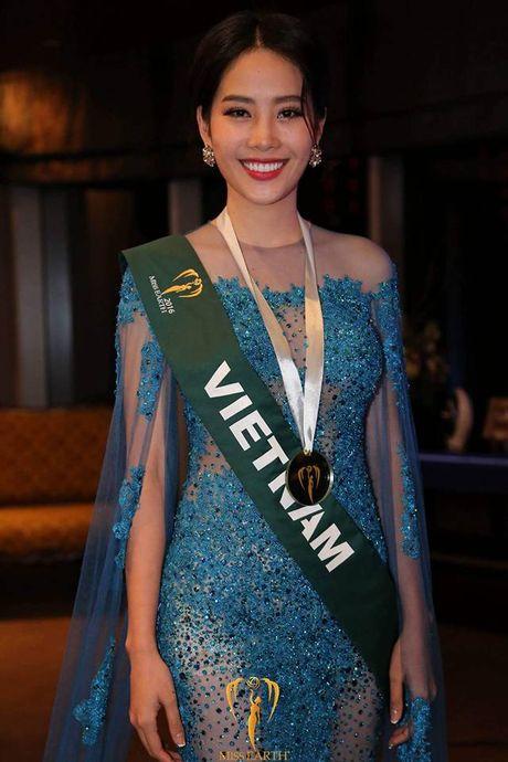 Nam Em tiep tuc rinh giai tai Hoa hau Trai dat 2016 - Anh 2