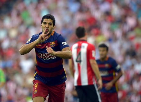 "Suarez cung con khoe ""Chiec giay vang"" - Anh 1"