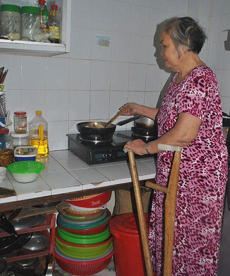 "Loi ke nguoi phu nu 3 lan bi cua chan ""song"" o Binh Dinh - Anh 2"