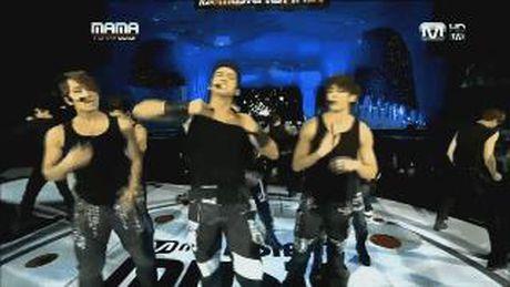 Nhung man xe ao cuc sexy cua idol Kpop tren san khau - Anh 10