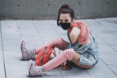 Min bit mat chat lu trong ngay cuoi o Seoul Fashion Week - Anh 1