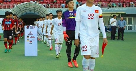 Bi quay roi truoc khi gap Iraq,cau thu U19 VN van xuat sac nhat tran - Anh 1