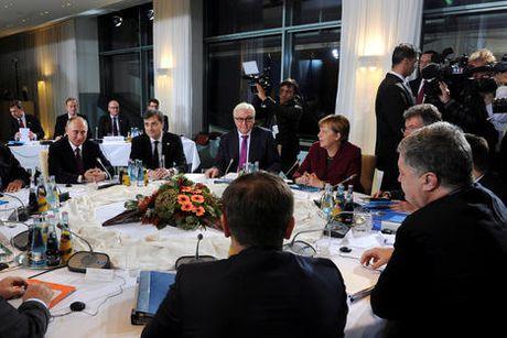 Hop nhom Bo Tu Normandy, Putin co thang loi cho rieng minh - Anh 1
