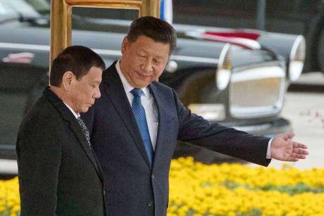 Bien Dong co the on dinh hon sau khi ong Rodrigo Duterte tham Trung Quoc - Anh 1