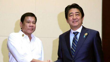 Thu tuong Shinzo Abe se giup My 'tham do' ong Duterte ve Bien Dong? - Anh 1