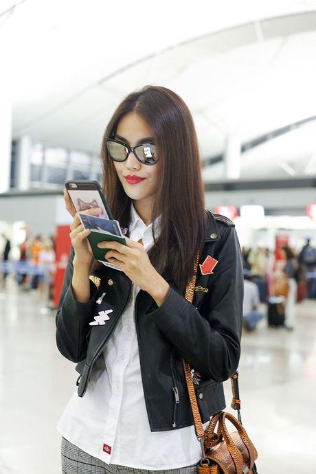 Mai Ngo mat moc van tu tin canh Lan Khue, chuan bi du Tuan le thoi trang Seoul - Anh 5