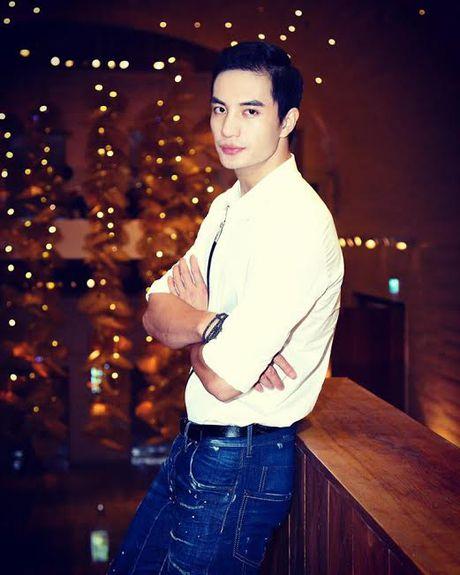 Nam vuong Van Son dien trai, lich lam ben Truong Ngoc Anh - Anh 3