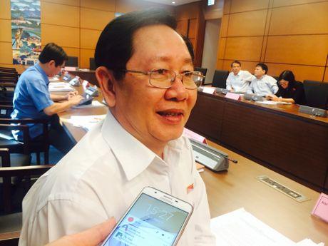 Bo truong Bo Noi vu Le Vinh Tan len tieng ve so co 2 nhan vien va 44 lanh dao - Anh 1