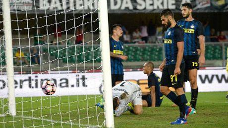 Truoc V9 Serie A: Milan dau Juventus, tai hien thoi vang son - Anh 2