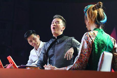 Tap 8 Buoc nhay ngan can: Hari Won bat tay Mr.Dam cong kich Tran Thanh - Anh 5