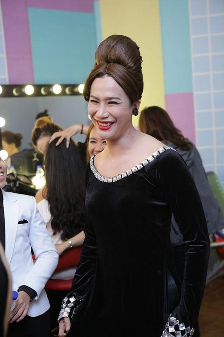 Phuong My Chi - Nam Cuong tro lai san khau 'Guong mat than quen nhi' - Anh 7
