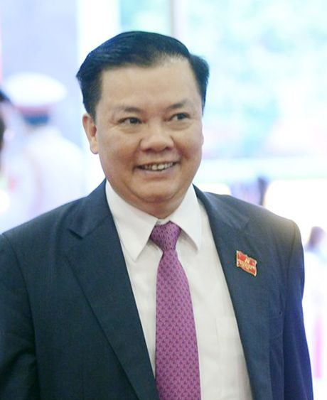 Bo truong Dinh Tien Dung: Se co lo trinh giam xe cong - Anh 1