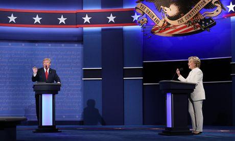 Phan tich nu cuoi cua ba Clinton va cai nghien rang cua ong Trump - Anh 1