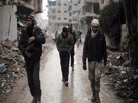 Chien su Syria: Nhung ke khung bo o Hama dang ben bo vuc sup do - Anh 1