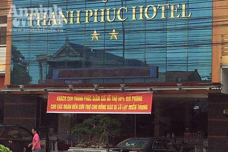 Giam gia dich vu khach san cho cac to chuc, ca nhan hoat dong cuu tro tai Quang Binh - Anh 1